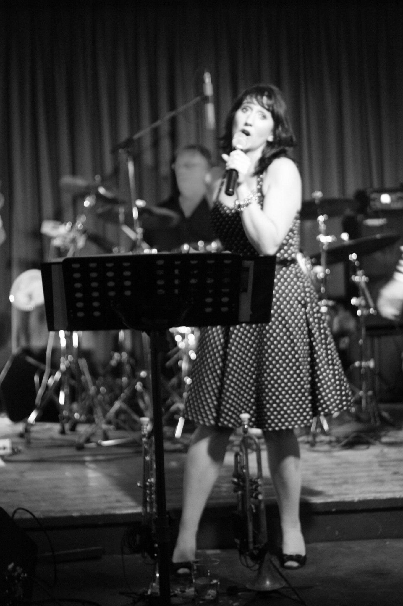 Singing B&W